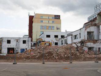 V centru Liberce se bourá, vyroste zde osm bytových domů