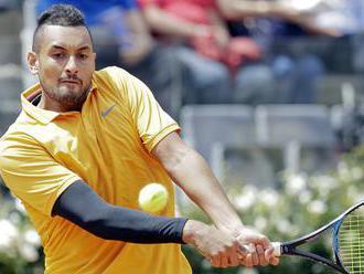 Kyrgios diskvalifikovaný za nešportové správanie, na dvorec hodil stoličku