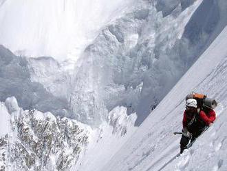 V Himalájach prišli o život dvaja indickí horolezci, pátrajú po nezvestnom Írovi
