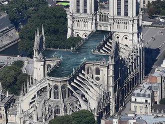 Bazén alebo skleník na streche Notre Dame. Architekti zabúdajú na tradície a prichádzajú s nezvyčajn