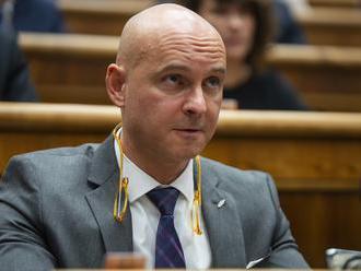 Gröhling k vyjadreniam Lubyovej: Pomohlo by, ak by koaliční politici častejšie zavítali na slovenské