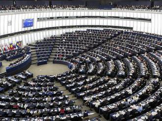 Voľby do Európskeho parlamentu pokračujú tretí deň hlasovaním aj v ČR, Lotyšsku a na Malte