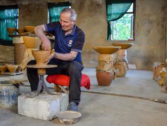 Foto: Nádoby, ve kterých zrálo nejstarší víno na světě. Touží po nich Češi i Japonci