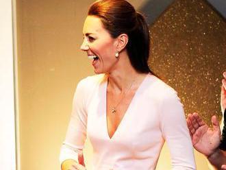 Jeden nákup vévodkyně Kate strčí do kapsy všechny influencery, tvrdí klenotnice