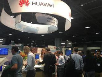 Po Googlu s Huawei přestávají spolupracovat i další firmy