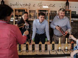 Víno mení ľudí, ľudia kraj vína