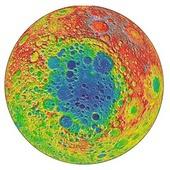 Čínské vozítko Yutu-2 stále žije, našlo v kráteru Měsíce prastaré horniny