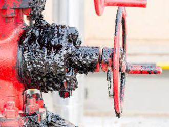 Ropa v štandardnej kvalite má na Slovensko tiecť čoskoro, Slovnaft spracováva zásoby