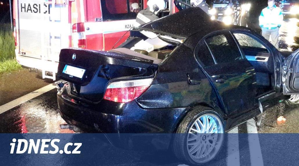 Čelní střet aut na Českobudějovicku nepřežil řidič, přejel do protisměru