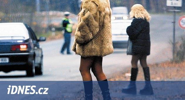 Prostituce na střední. Ve Francii se jí věnuje stále více nezletilých dívek