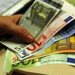 Taliansko sa musi vyhnut procedure EU pre nadmerny deficit