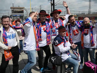 VIDEO: Fanúšikovia z celého Slovenska dorazili do Košíc. Pozrite si v akej nálade!