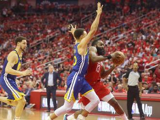 Warriors pretlačili húževnatý Houston a postúpili medzi top štvorku