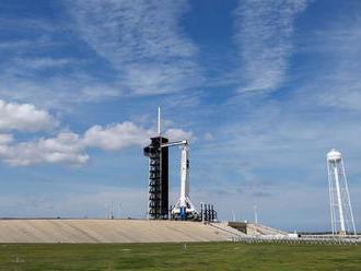 SpaceX umiestnila na obežnej dráhe 60 satelitov