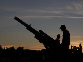 Polovica Američanov podľa prieskumu očakáva vojnu s Iránom v najbližších rokoch