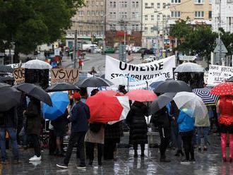 Na bratislavskom zhromaždení žiadali odvolanie ministerky kultúry
