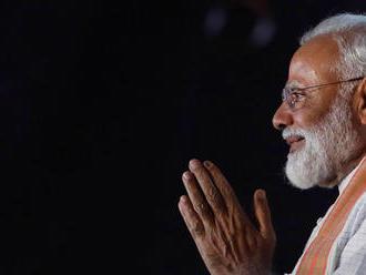 V Indii sa po parlamentných voľbách začalo spočítavanie hlasov. Módí siaha na víťazstvo
