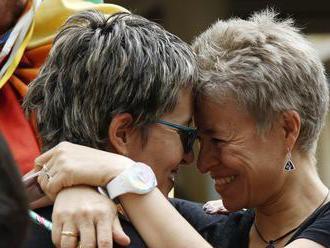 Iba tri percentá Rusov vnímajú homosexuálov pozitívne, vyplýva z prieskumu