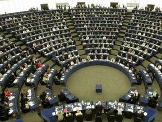 Väčšina frakcií v EP podporuje, aby komisiu viedol líder víťaznej EPP