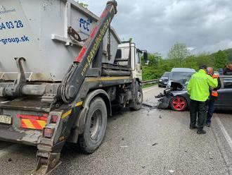 AKTUÁLNE Vážna nehoda neďaleko Žiliny: FOTO Na mieste sú záchranné zložky, hlásia zranených