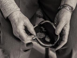 Penzista   z Nitry prišiel o majetok: Podvodník sa vydával za jeho syna