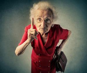 Nepodceňujte vetché starenky! Stodvaročná zamordovala svoju susedku v domove seniorov