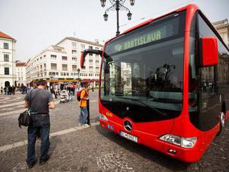 Dopravný podnik Bratislava posilnil viaceré spoje, nápor fanúšikov počas MS v hokeji 2019 zvláda