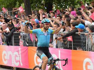 Video: Cataldo sa stal víťazom 15. etapy Giro d´Italia, v ružovom drese ostal Carapaz