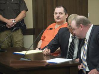 Chvíle hrôzy na súde vo Wilberi, muž obvinený z vraždy si počas pojednávania podrezal hrdlo