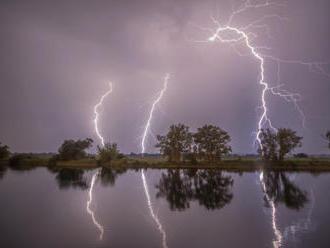 Východní polovinu Česka zasáhnou dnes a ve čtvrtek bouřky