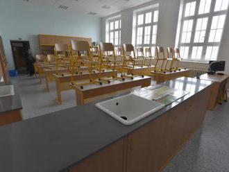 Kvůli výhrůžce střelbou hlídala policie pražské školy