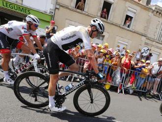 Froome se před bojem o pátý titul z Tour zranil při pádu