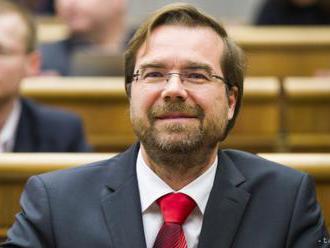 M. Krajčí chce ústavným zákonom zvýšiť výdavky štátu na zdravotníctvo