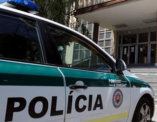 Polícia hľadá svedkov dopravnej nehody v Pezinku