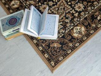 Nemecká vláda odsudzuje poškodenie asi 50 kópií Koránu v mešite