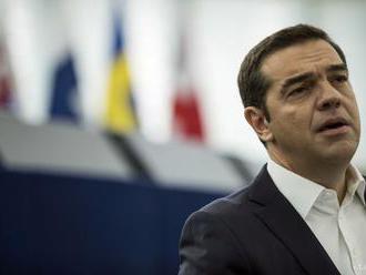 Tsiprasovu stranu v prieskume pred voľbami predbehli konzervatívci