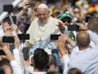 Pápež vyzval predstaviteľov ropného priemyslu na boj proti zmene klímy