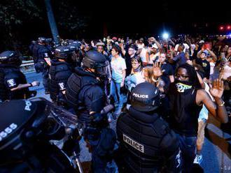 Pri študentských protestoch v Hondurase utrpeli zranenia piati ľudia