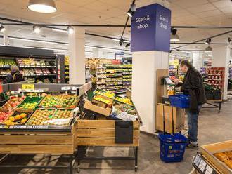 V Česku se daří hlavně malým prodejnám. Lidé si rádi připlatí za avokádo i maliny