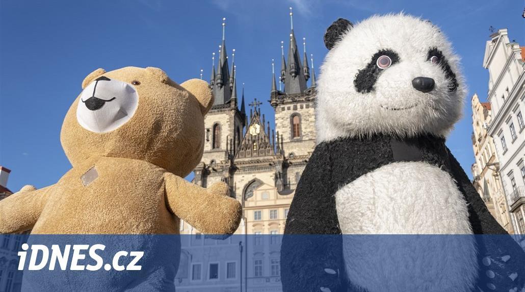 Praha zakáže bubliny a pandí převleky, buskerům povolí pikolu a hoboj - iDNES.cz