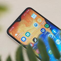 Samsung Galaxy A20e - kompaktný a hlavne lacný