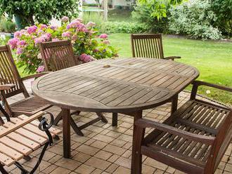 Na čom si dobre posedieť v záhrade?