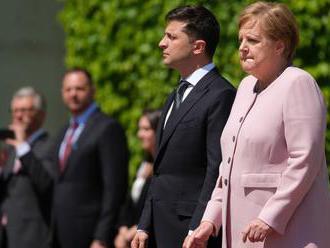 Rosszul lett Merkel, majd odaszúrt Putyinnak