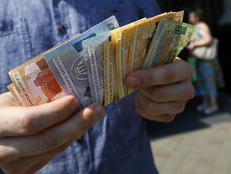 """Venezuela a Rusko zahodili dolár do """"koša"""" a začínajú obchodovať v ruských rubľoch"""