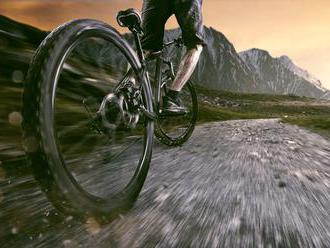 Jazda na elektrickom bicykli akolobežke vhodná pre každú vekovú kategóriu