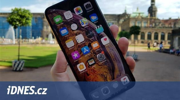 Apple novým iPhonům přidá paměť. Základ bude 128 GB