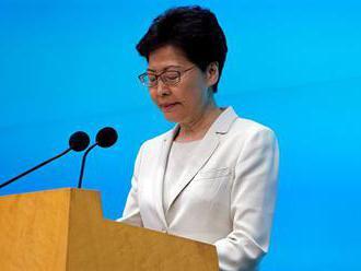 Správkyně Hongkongu ustoupila demonstrantům. Zákon o vydávání vězňů do Číny nebude