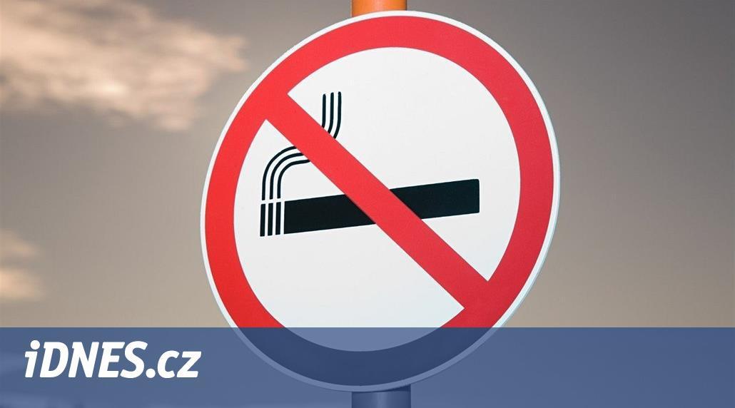 Cigarety jsou věcí minulosti. Karlovy Vary vytáhnou do boje s kouřem