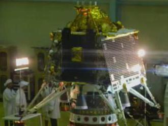 India predstavila novú vesmírnu loď, sonda Čandraján-2 má pristáť na južnom póle Mesiaca