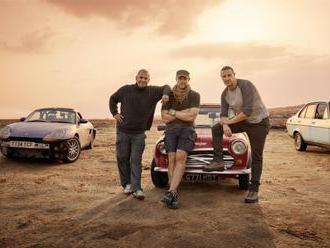 Top Gear s novými moderátory měl být propadák, ale není, chválí ho tisk i diváci